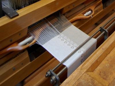 http://www.vaupel-heilenbeck.de/extensions/bibliothek/Produkte/Webmuster-Bd./Herz1.jpg